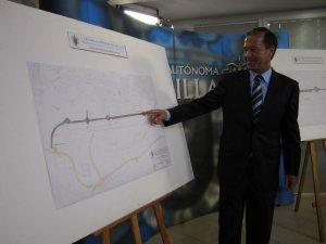 Miguel Mar_n proyecto carretera paralela a pista aeropuerto 07-06-12 (1).JPG