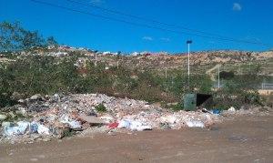 8. Más escombros cerca de Ctra. Hidum