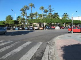 6. Entrando Plaza España. Entrar por carril derecho y seguidamente coger derecho y central