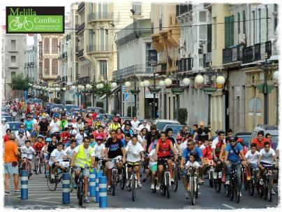 Avenida y bicicletas